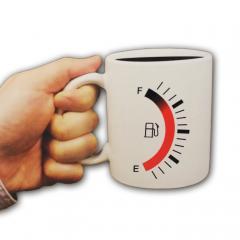 Tasse mit aktiver Tankanzeige